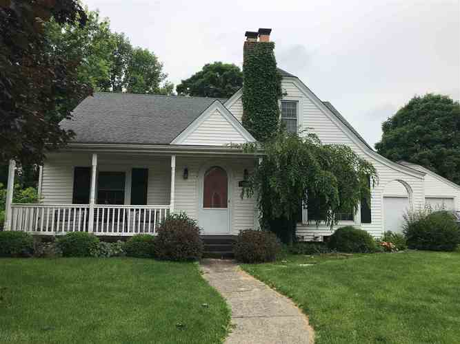 207 S Prairie Street Brookston, IN 47923 | MLS 201925783