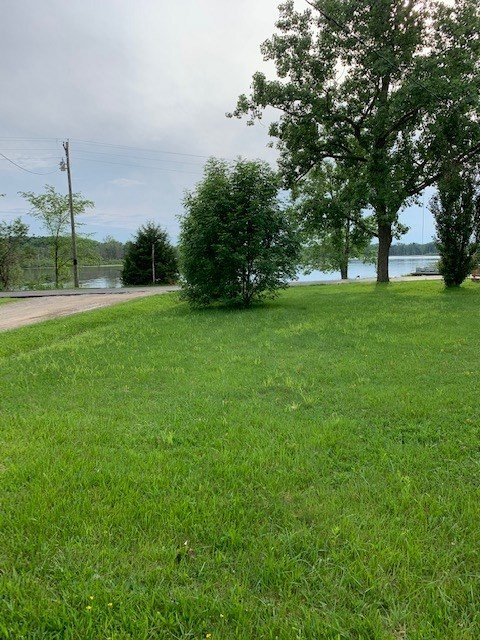 4568 W G Drive Albion IN 46701-9439   MLS 201926109   photo 2