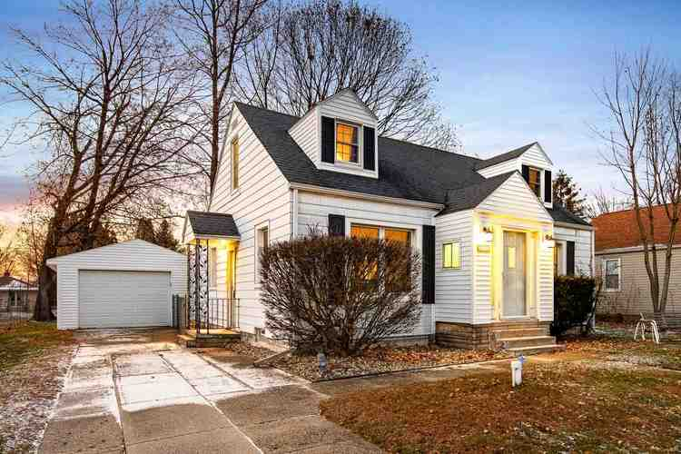 54701  Northern Avenue South Bend, IN 46635-1856 | MLS 201926406