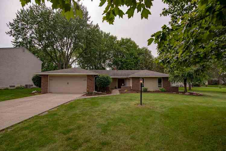 3906  Turf Ln Lane Fort Wayne, IN 46804 | MLS 201926416