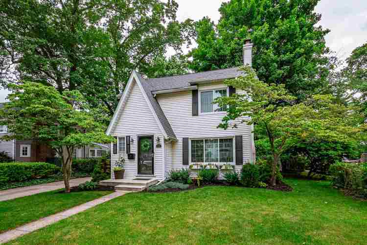 1523 E Madison Street E South Bend, IN 46617 | MLS 201926437 | photo 1