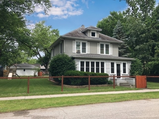 203  Elm Street Bristol, IN 46507 | MLS 201926457