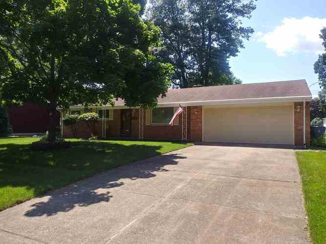 1439  Medford Lane Mishawaka, IN 46544 | MLS 201926636