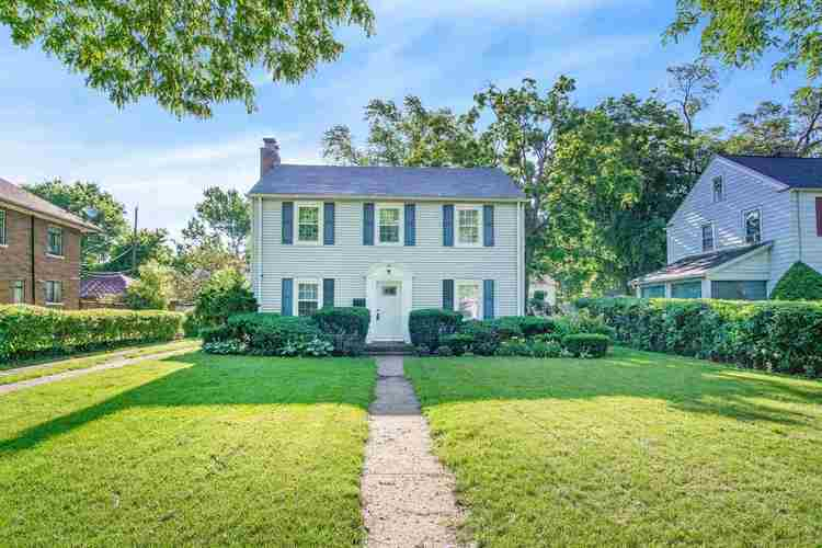 1750  College Street South Bend, IN 46628-3223   MLS 201926656
