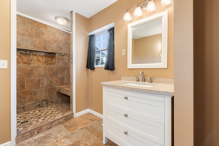 510 Lissaaron Drive Winchester, IN 47394 | MLS 201926687 | photo 16