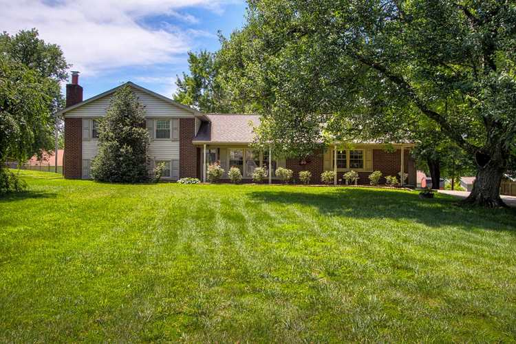 1411  Stonehaven Circle Boonville, IN 47601 | MLS 201926713