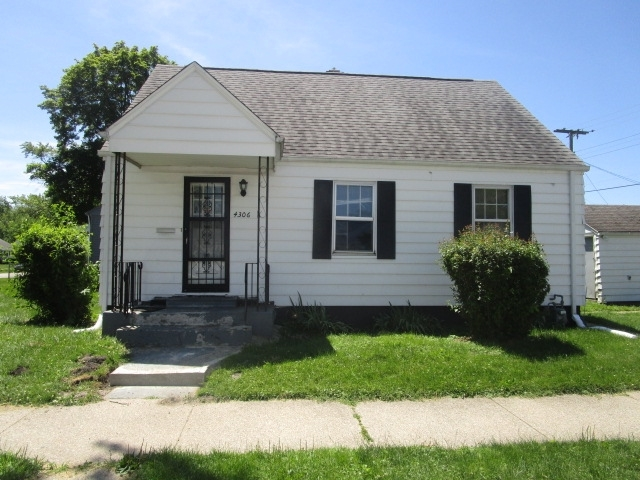 4306  Ford Street South Bend, IN 46619-2730 | MLS 201926863