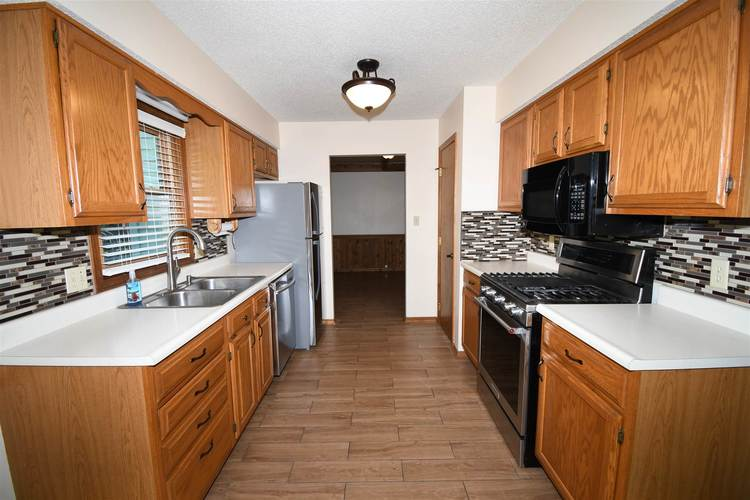 3715 Andover Place Fort Wayne, IN 46804-2671   MLS 201926865   photo 11