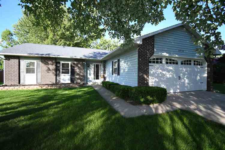 3715 Andover Place Fort Wayne, IN 46804-2671   MLS 201926865   photo 2