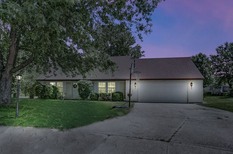 2009  Bowie Court Kendallville, IN 46755-3000 | MLS 201927299