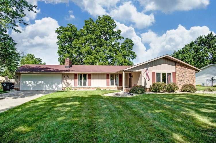 9929  Limberlost Trail Fort Wayne, IN 46825-1931 | MLS 201927394