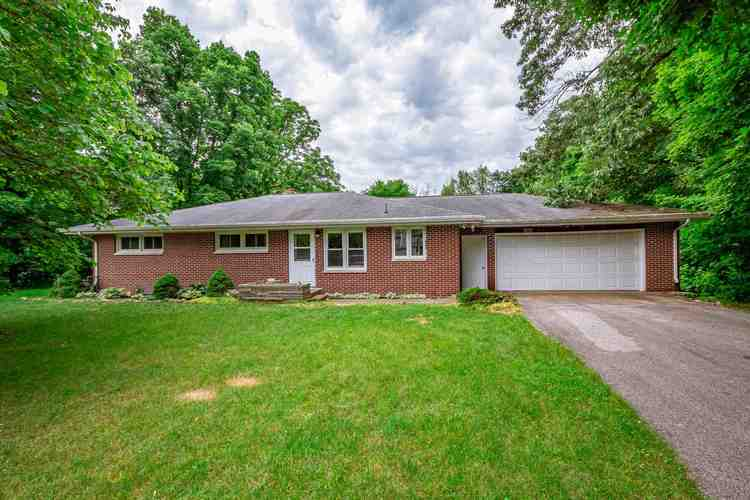 57003  Wyncrest Circle Elkhart, IN 46516 | MLS 201927401