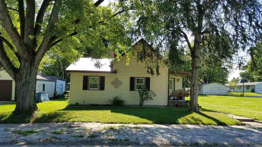 615 N Mill Street Fairmount, IN 46928-1342 | MLS 201927555