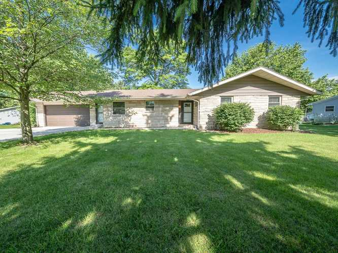 5221 Woodway Drive Fort Wayne, IN 46835 | MLS 201927641 | photo 1