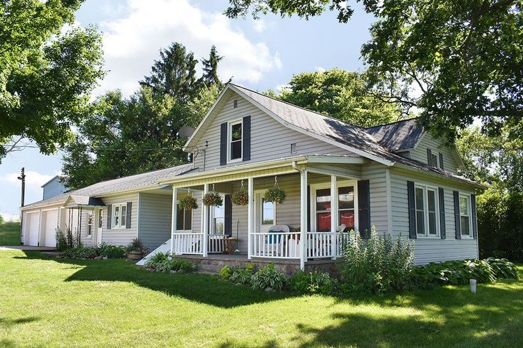 14691  Country Side Court Middlebury, IN 46540-8690 | MLS 201927729