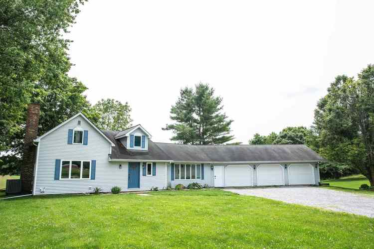 3741 N SR-5 Road Larwill, IN 46764 | MLS 201928352