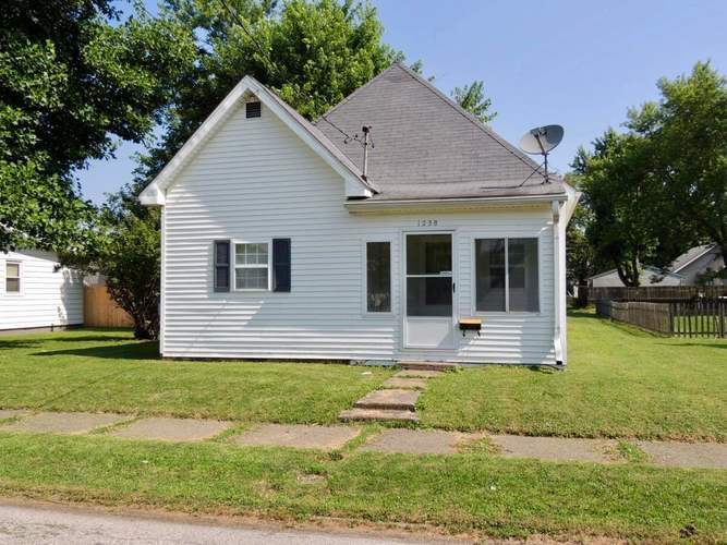 1258 W McClurg Street Frankfort, IN 46041 | MLS 201928634