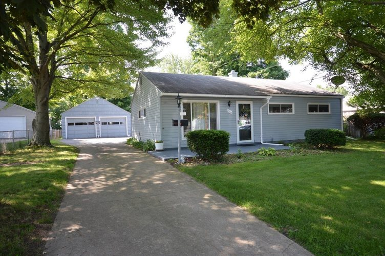 1210  Dennis Drive South Bend, IN 46614-2735 | MLS 201928760