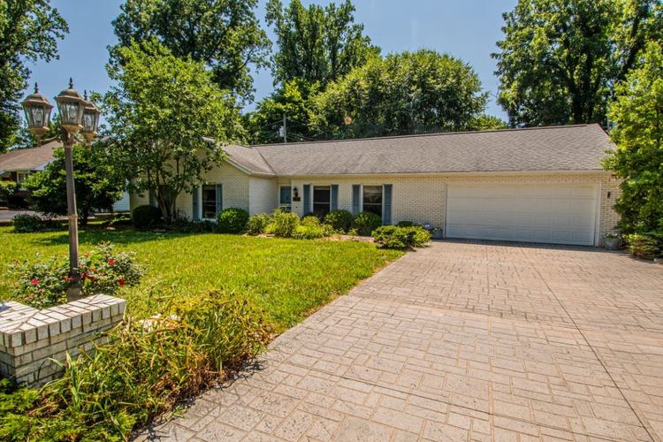1413 Old Orchard Place Vincennes, IN 47591 | MLS 201928798 | photo 1