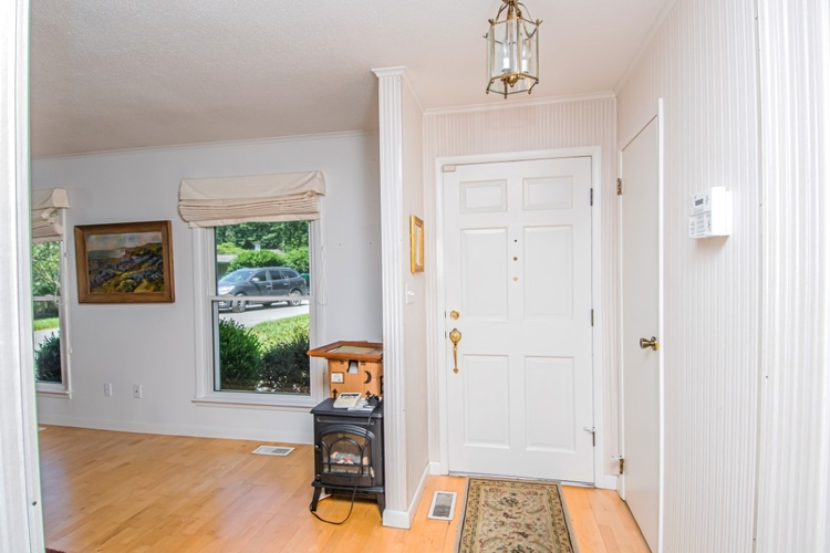 1413 Old Orchard Place Vincennes, IN 47591 | MLS 201928798 | photo 2