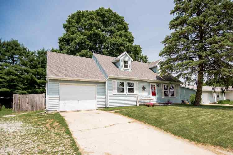 929 E Van Buren Street Columbia City, IN 46725 | MLS 201928998