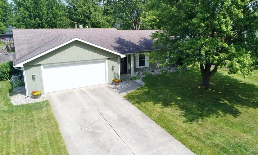3024 Winslow Place Fort Wayne, IN 46815-6222 | MLS 201929020 | photo 2