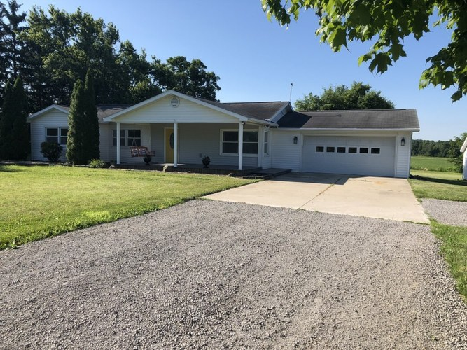 5523 W State Road 14 Highway South Whitley, IN 46787-9705 | MLS 201929430