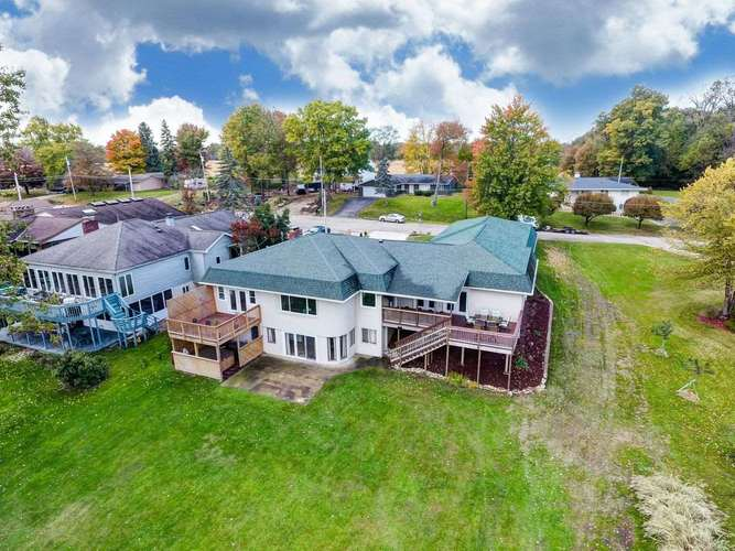 1502  Country Club Dr E Street Warsaw, IN 46580   MLS 201929752