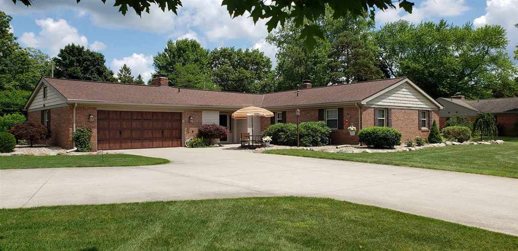 54700  Merrifield Drive Mishawaka, IN 46545 | MLS 201929934