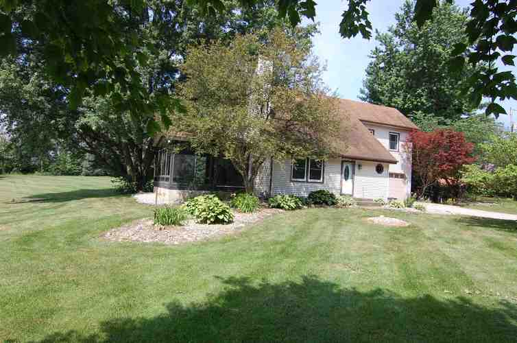 3167 S Country Club Road Warsaw, IN 46580 | MLS 201929975