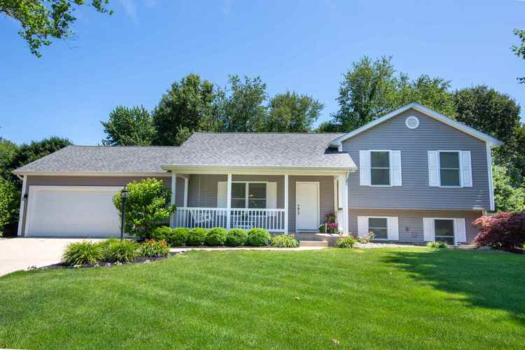 56848  Pinecrest Drive Elkhart, IN 46516 | MLS 201930037