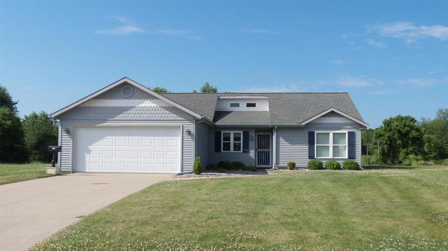 103  Charles Drive Fremont, IN 46737 | MLS 201930099