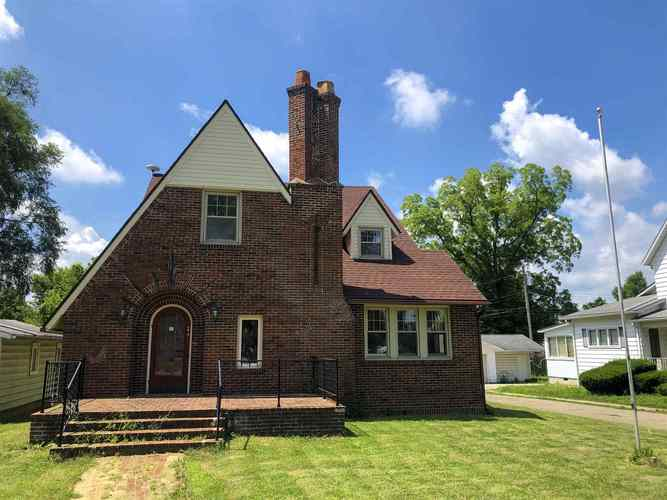 241 N Jefferson Street Cromwell, IN 46732 | MLS 201930541