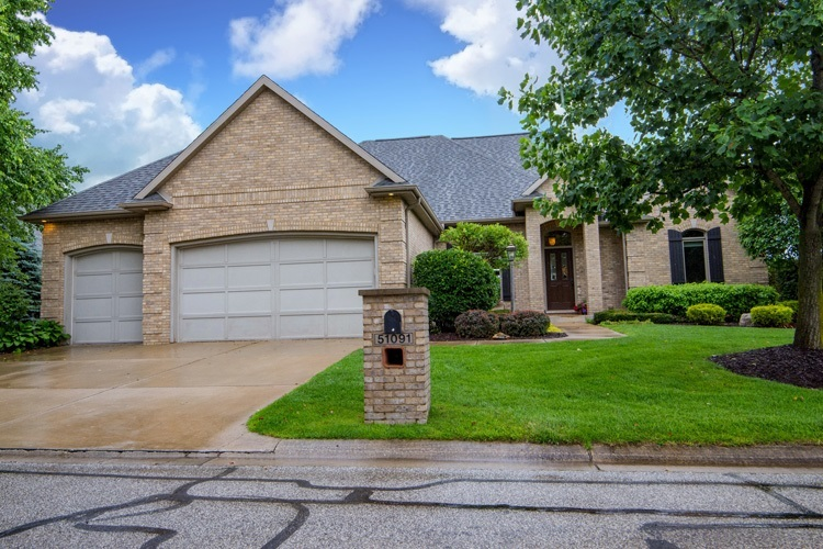 51091  Bellcrest Circle Granger, IN 46530-6956 | MLS 201930593