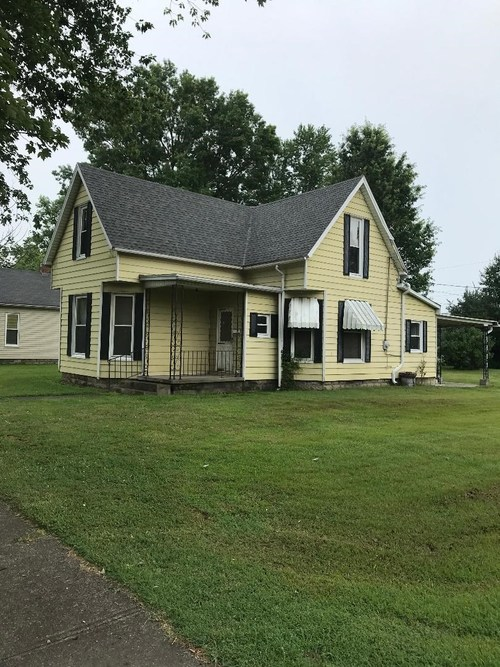 532 S Park St.  Jasonville, IN 47838 | MLS 201931228