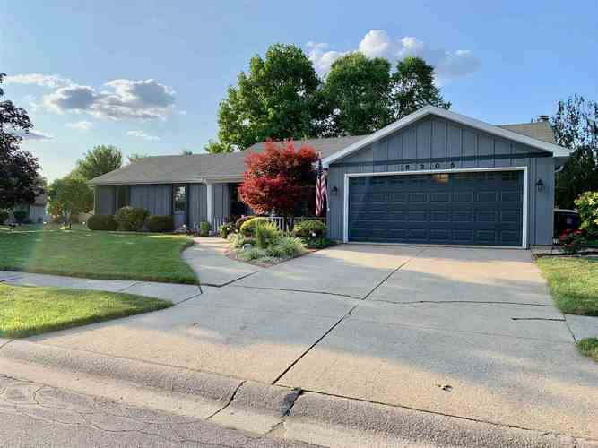 6205  Brian Drive Fort Wayne, IN 46815-5367 | MLS 201931706