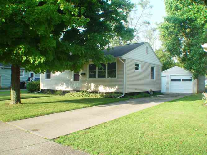 1008 Canterbury Drive South Bend, IN 46628-1209 | MLS 201931861 | photo 1