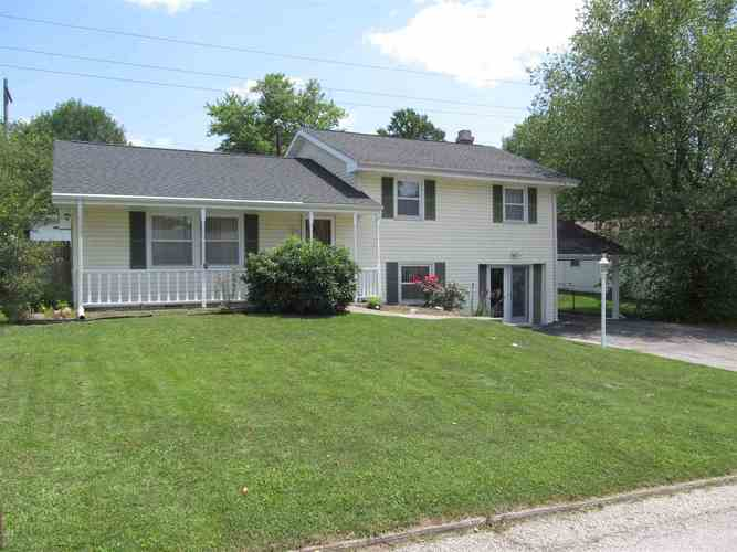 1818 CENTRAL AVE Bedford, IN 47421 | MLS 201931960 | photo 1