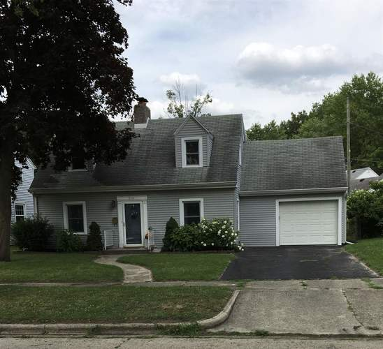 2214  Owaissa Way Fort Wayne, IN 46809-1445 | MLS 201932156