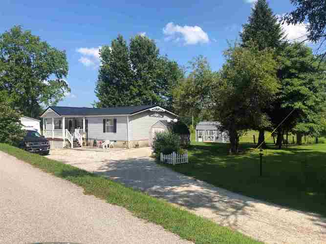 285  HURON RAILROAD ST  Mitchell, IN 47446 | MLS 201932346