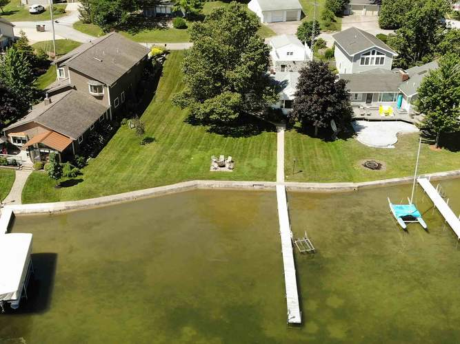 114 Clear Lake Cove Fremont, IN 46737-7301   MLS 201932521   photo 1