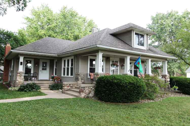 2002 Lake Avenue Plymouth, IN 46563   MLS 201932692   photo 1