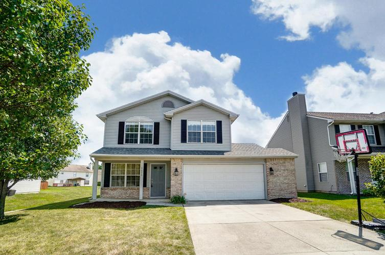 9636  Hidden Village Place Fort Wayne, IN 46835 | MLS 201932856