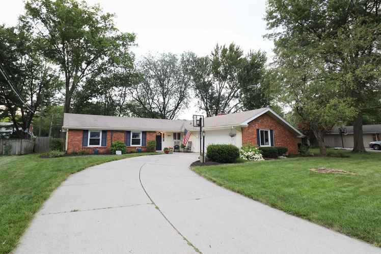 6815  Forestwood Drive Fort Wayne, IN 46815 | MLS 201932865
