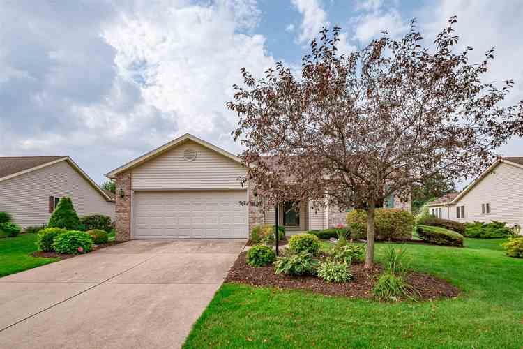 17910  Bay Winds Drive South Bend, IN 46635-1490 | MLS 201932903