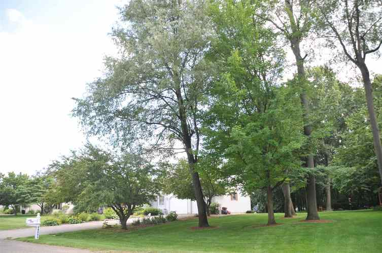 12609 Emerald Court Plymouth, IN 46563   MLS 201933094   photo 2