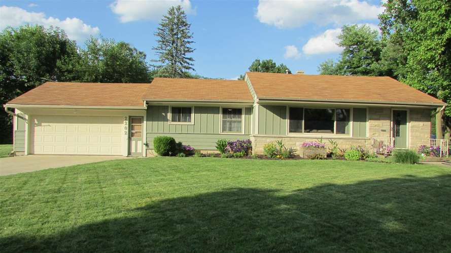 2202  Opechee Way Fort Wayne, IN 46809 | MLS 201933101