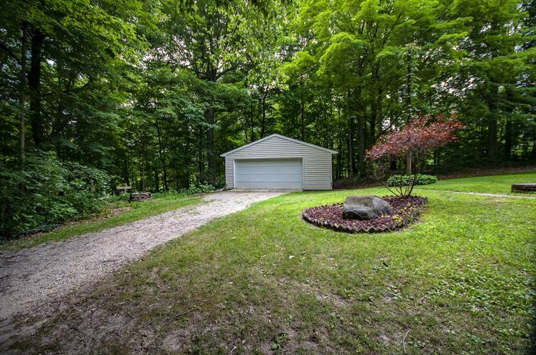 22732 Roosevelt Road South Bend, IN 46614-9263 | MLS 201933304 | photo 20