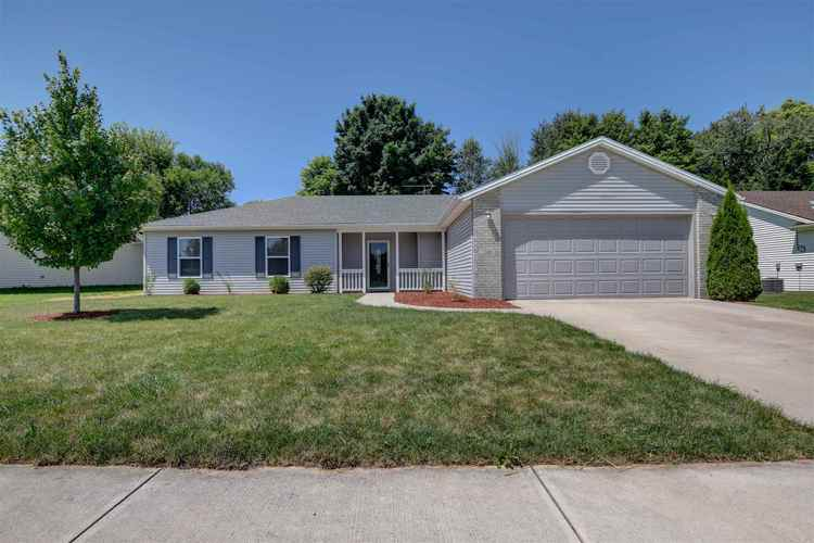 210 Glory Avenue Kendallville IN 46755 | MLS 201933531 | photo 1