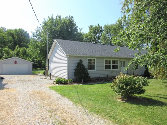 8420 S State Road 47 Road Crawfordsville IN 47933 | MLS 201933663 | photo 1